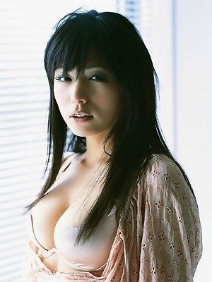 In her bikini this seductive sexy asian babe melts the heart