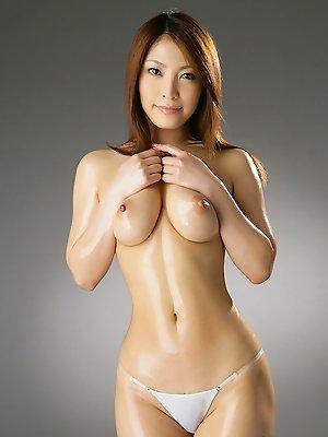 Sakura Kokomi Asian takes clothes off and shows big oiled boobs